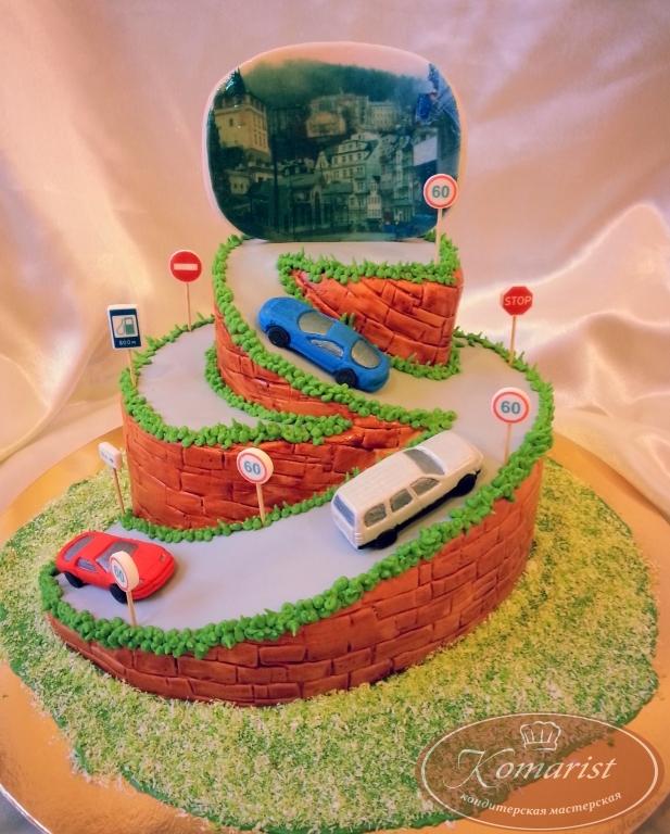 Торт машину с дорогой